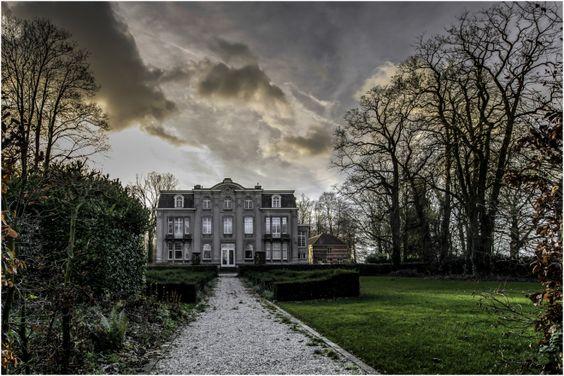 Castle van Ronselen. photo: Geert de Brabander