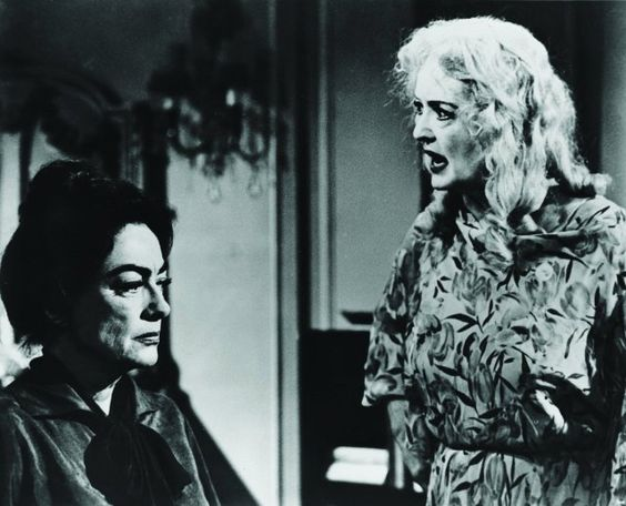 Still of Bette Davis and Joan Crawford in What Ever Happened to Baby Jane?