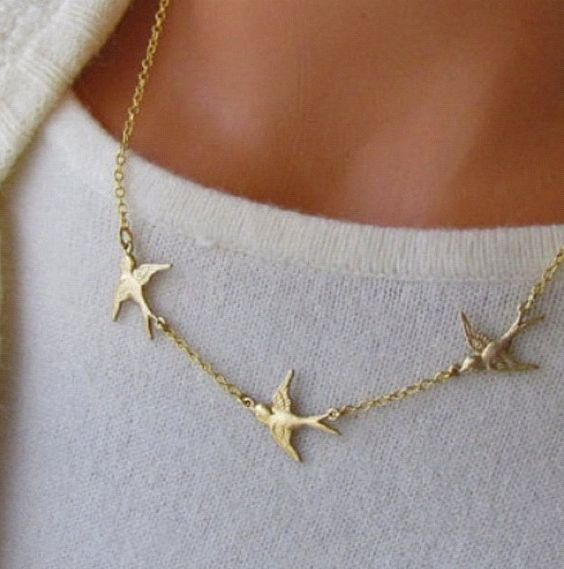Gold. Birds. Necklace.