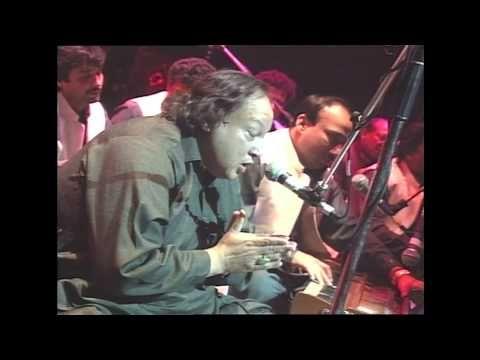 Nusrat Fateh Ali Khan - Dam Mast Qalandar Mast Mast (Nelson Mandela Conc...