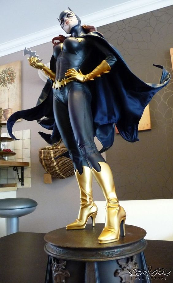 [SIDESHOW] Batgirl Exclusive Premium Format Statue Review