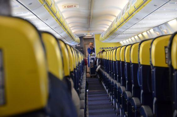 Ti piacerebbe fare l'assistente di volo? | Simple Crs Blog