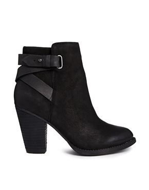 Aldo Salazie Leather Heeled Ankle Boots http://www.saltstyleblog.com