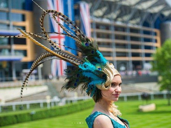 Britse hoedjesparade bij fameuze paardenrace  (bron: RTL nieuws)