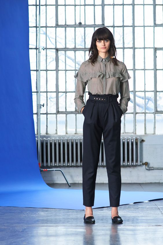 See the complete Whit Fall 2016 Ready-to-Wear collection.