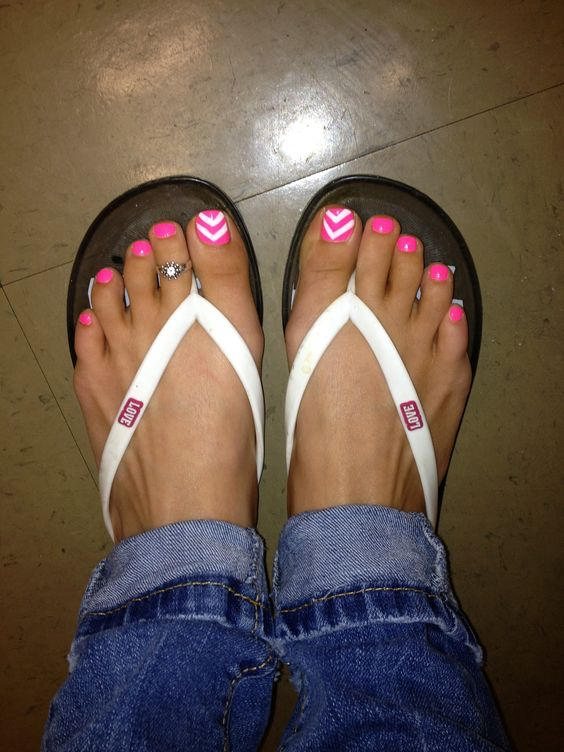 Painting my toe nails bright pink - 3 1