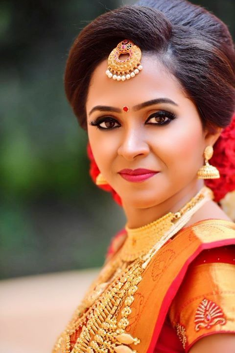 Pin By Suji Arun On Indian Bridal Indian Bride Hairstyle Indian Bridal Hairstyles Indian Bride Makeup