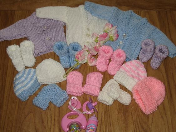 Premature Baby hat, cardigan, booties, mitts 2lb - 4lb ...