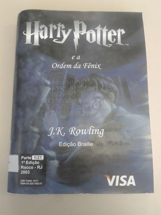 Livro Harry Potter e a Ordem da Fênix em Braille.