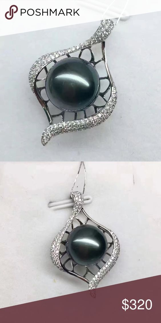 Tahitian pearl pendant New! Authentic!  Just a research to see if there is a business opportunity here,not for sale so far.Thank you!  Jewelry Information  Metal stamp:  9k Metal:   Gold  Pearl Information  Surface:  Almost no blemish Shape:round Uniformity:very good Luster:very strong Size per pearl:11.4mm Pearl type:Tahitian cultured Jewelry Necklaces