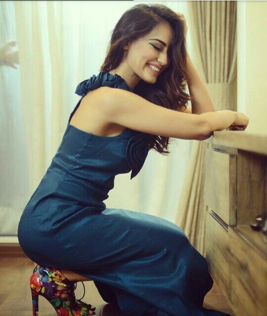 Pin On Surbhi Jyoti