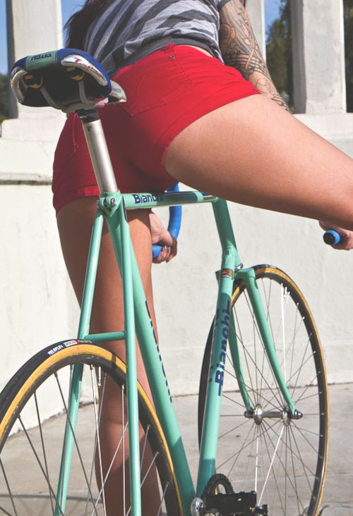 Bianchi bike in mint. | I just can't resist repinning bike butts.