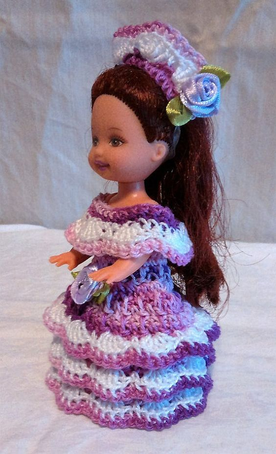 Handmade Thread Crochet Kelly Doll Barbie Family von CroFabulous