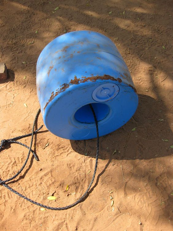Q Drum, the rollable water container for developing countries - Gallery - Category: Q Drum Pictures