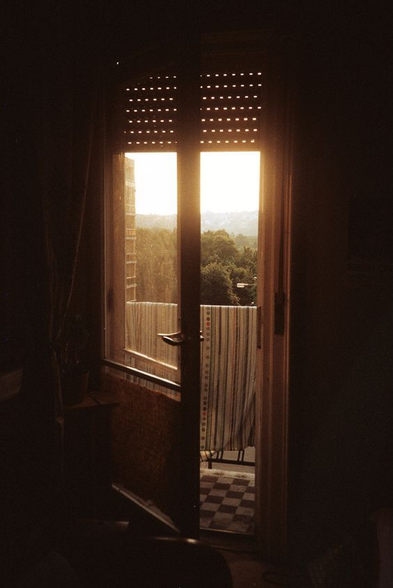 The Colors Radiance Of The Light Coming Through The Window Morning Light Through The Window Beautiful Lights