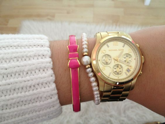 C l a s s y-in-the-city  Stylish watch and cute bracelet with the bow