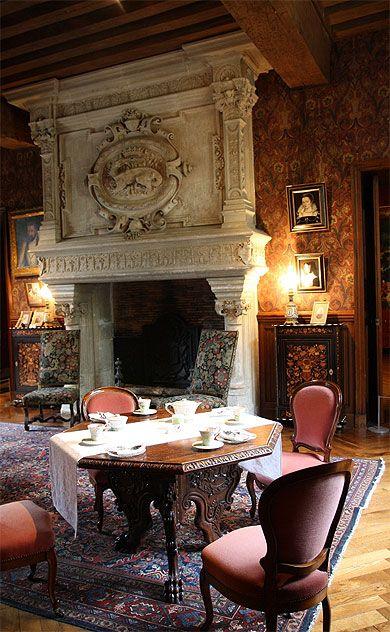 chemin e d 39 azay le rideau ch teaux de la loire fireplaces apartments and tables. Black Bedroom Furniture Sets. Home Design Ideas
