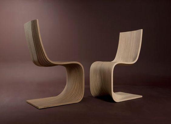 Die Stühle Pipo aus Sperrholz