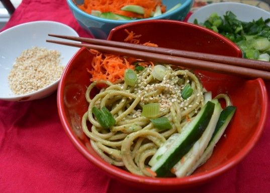 HOW TO: Make Vegan Sesame Spinach Noodles To Celebrate Chinese New Year | Inhabitots