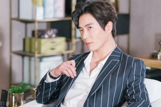 """tvN's """"Her Private Life"""" Drops New Preview For Kim Jae Wook, A Genius Artist And Future Fanboy"""