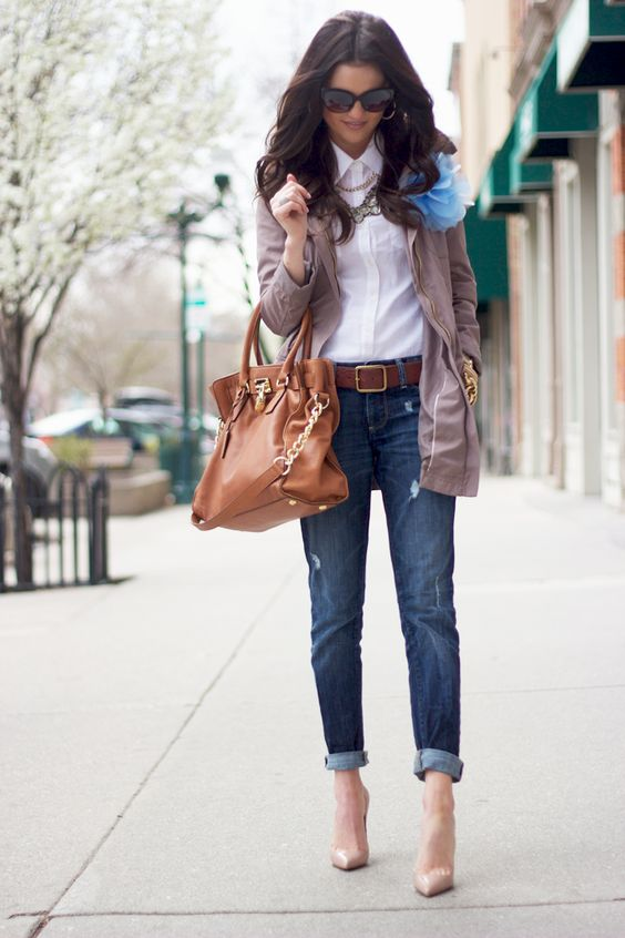 Love the classic white shirt buttoned all the way up with the statement necklaces, love it paired with the boyfriend jeans and heels!