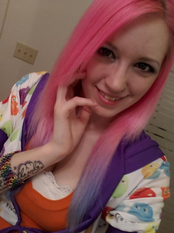 Danielle from tradechat : Request Teen Amateur Cum Tribute
