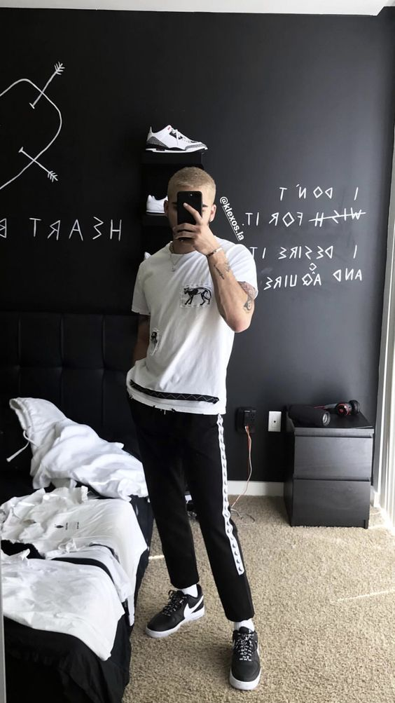 How To Decorate A Tumblr Room Click Here Man Design Mens Bedroom Decor Hypebeast