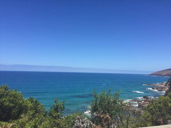 """""""Ter um sonho todo azul azul da cor do mar""""  (ou do céu com leves tons de verdes ) #australia #paradise #nofilter #justreal #lorne by carlamagalhaes.nutri http://ift.tt/1IIGiLS"""