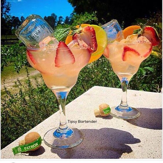 Patron Paradise Cocktail - For more delicious recipes and drinks, visit us here: www.tipsybartender.com: