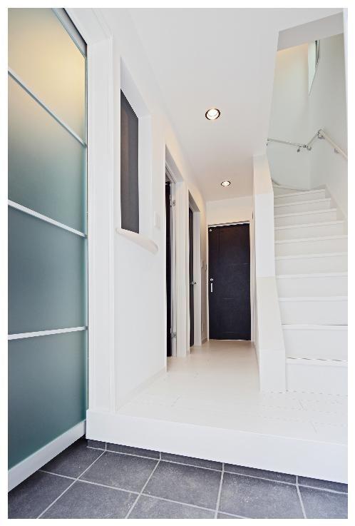 左の扉を開けると シューズクローク になってます 玄関 注文住宅 玄関 注文住宅 暮らし