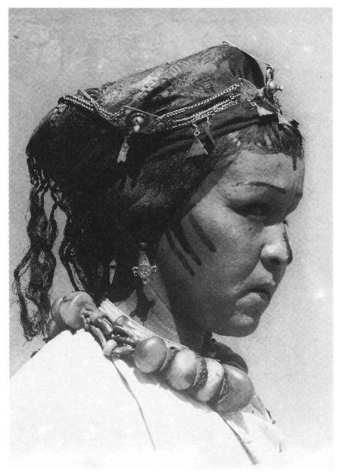 Femme Ayt 'Atta à Zagora originaire d'Alnif (photo M. Morin-Barde)