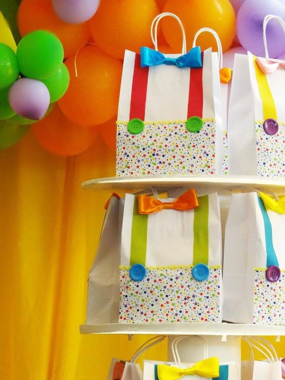 Tão lindoooo... sacolinhas de lembrancinhas para os aniversários de circo!!!