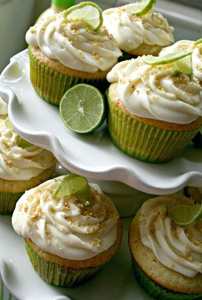 Key Lime Pie Cupcakes with key lime buttercream, the PERFECT summer cupcake.