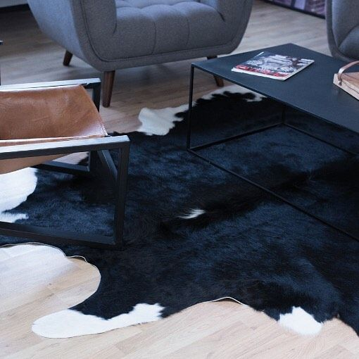 Encore Une Idee Meubles Et Deco En 2020 Tapis Peau De Vache Meuble Deco Tapis Peau