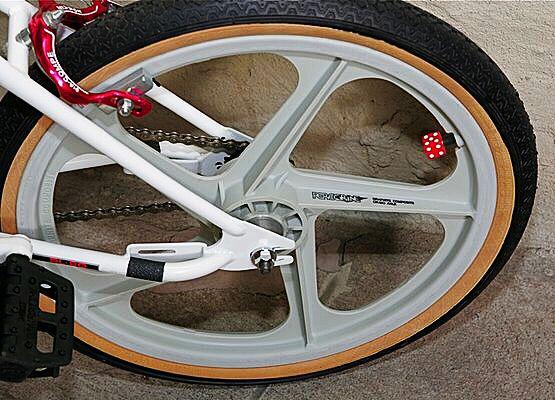 Wheels Peregrine Master Graphite Tires Tioga Compe St S