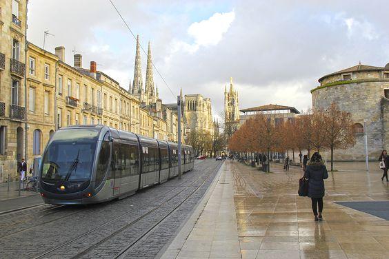 Остановка возле дворца юстиции в Бордо