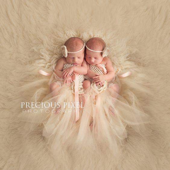 Newborn Twins,  Newborn photography, Southeast MI baby Photographer, Detroit newborn photography, Precious Pixel Photography, Rose Jesky