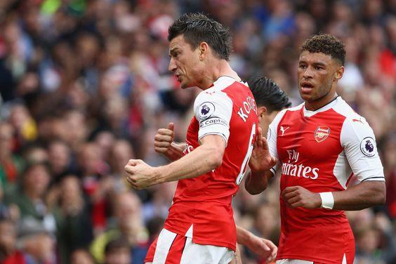 Laurent Koscielny Photos Photos - Arsenal v Southampton - Premier League - Zimbio