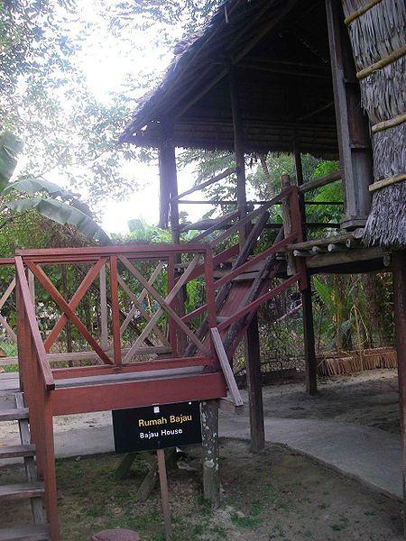 File:Bajau House.JPG
