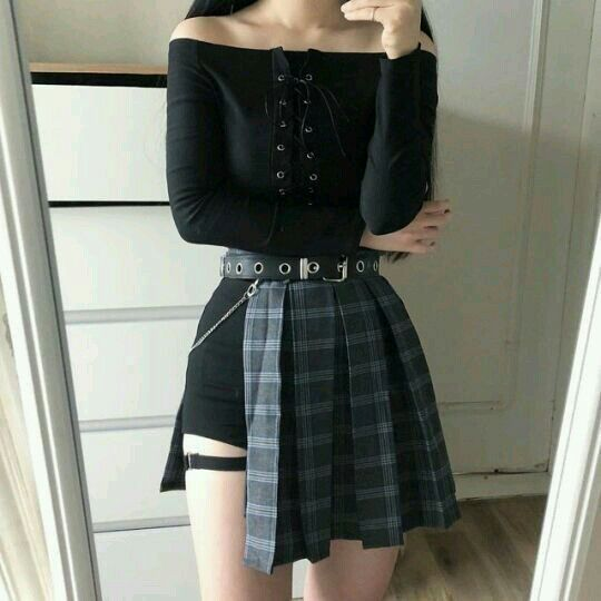 Y N As Kpop Idol Badass Girl Outfits Edgy Outfits Ulzzang Fashion