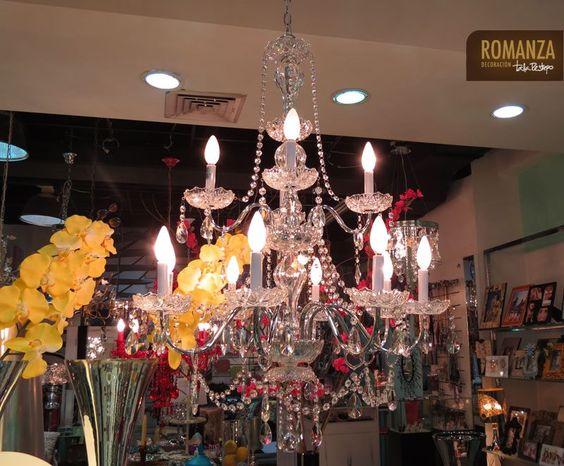 Y finalicemos la semana con otra gran adquisición, nuestra Chandelier de Cristal, para hacerle compañía a la hermosa Chandelier Blanca. ¿Quién tendrá la fortuna de llevárselas? #chandelier #lamparas