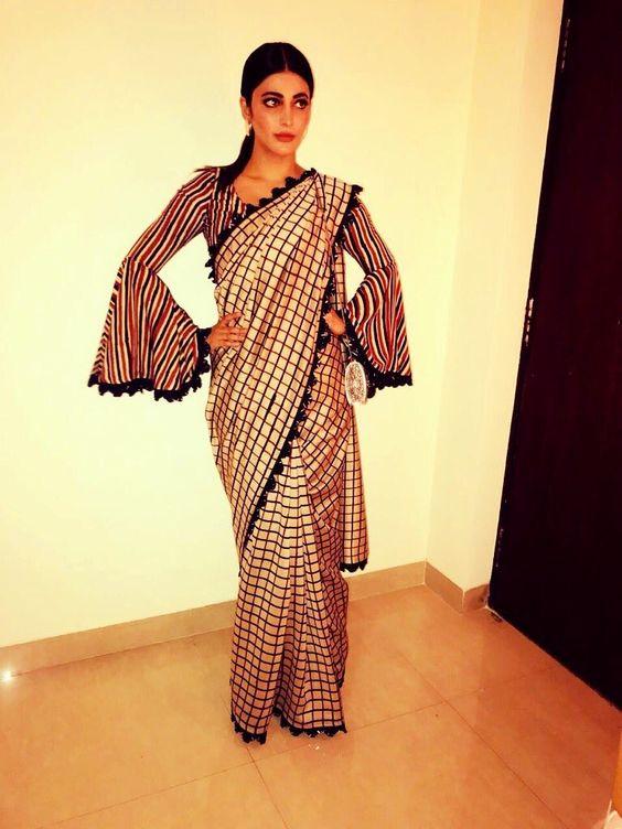 Shruti Haasan in cream saree #traditionalbutnotreally #saree #indian #fun #checks #designerwear ♥️