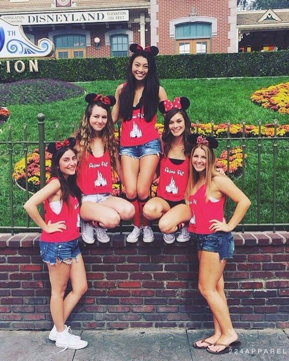 #AlphaPhi takes on #Disneyland in their #224Apparel tanks! #BigLittle