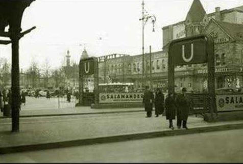 U Bahnhof Zoologischer Garten In Den 30ern Im Hintergrund Restaurant Wilhelmshallen Berlin Historical Photos Photo