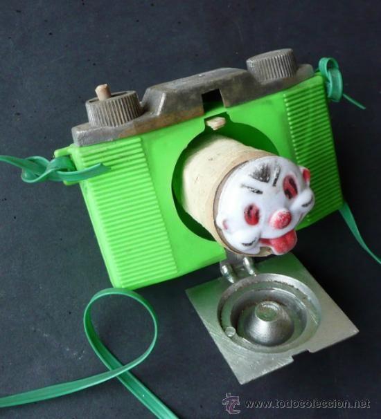 camara  juguete susto de payaso muñequito , años 70 de kiosco pipero