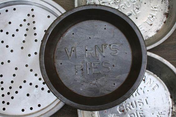 Antique Pie Plates - Antike Pie-Formen: Vern's Pies