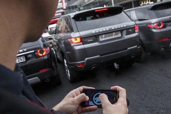 Range Rover Sport mit Fernbedienung auf der IAA: Fahrzeugsteuerung von außen per Smartphone
