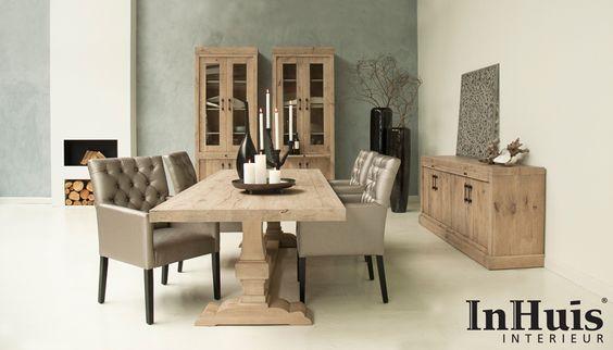 Een warme landelijke chique woonkamer. De meubels die u ziet kunnen wij ook in andere afmetingen/kleuren leveren. Voor meer informatie over de meubels neem dan contact met ons op via info@inhuisinterieur.nl of neem een kijkje op onze website.   #landelijk #chique #romantisch#stoel #tafel #kast #hout #wood #interieur #interior #living #luxe#woonkamer #fournituren#meubelen