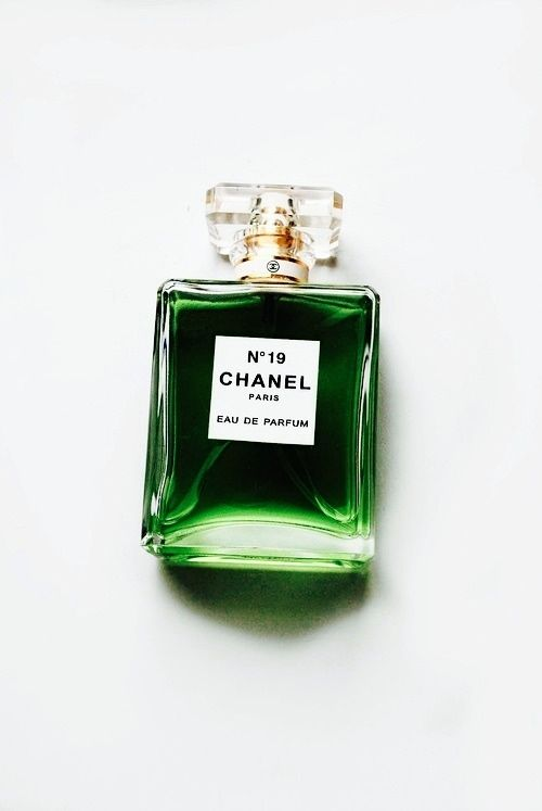"Oh I would die to have a vintage formulation of the EDP for Chanel No. 19 my signature summer scent.  I have worn and coveted the EDT for years.    glitter-in-wonderland: ""hellomysweetiie: "" http://hellomysweetiie.tumblr.com/ "" xx "":"