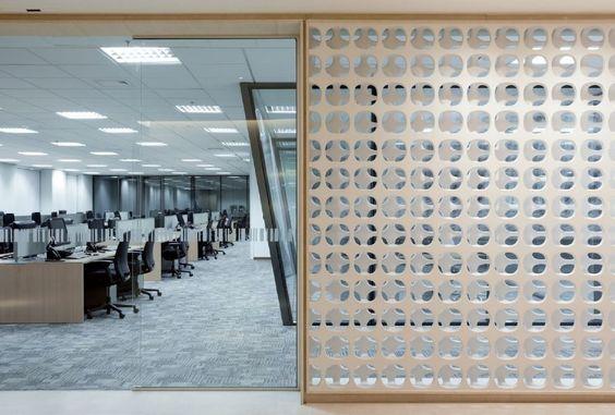 Kiko Salomão instala painel de cobogós do austríaco Erwin Hauer em escritório do Bic Banco, em São Paulo :: aU - Arquitetura e Urbanismo